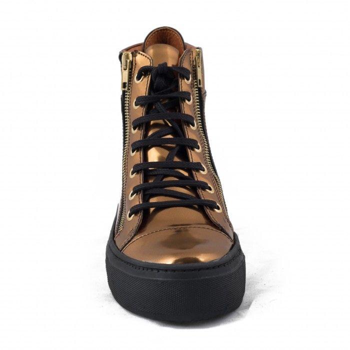 woman vegan lace-up boots