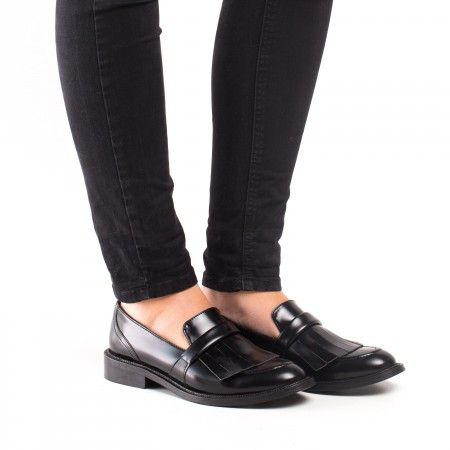 Brina Woman Vegan Loafer fringes black