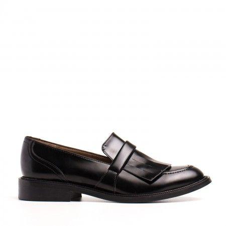 Brina Zapato vegano clásico mujer flequillo tachuelas negro