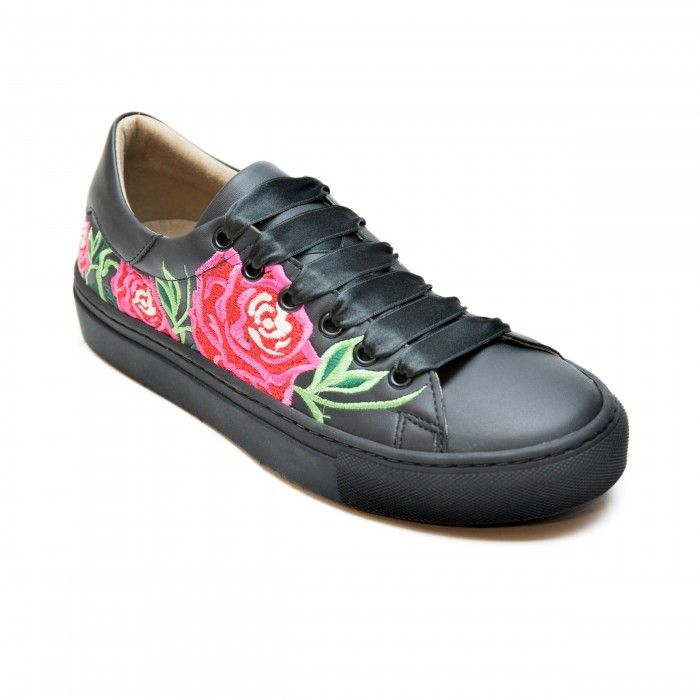 Rose Black Woman vegan sneaker