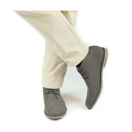 Man vegan desert boots