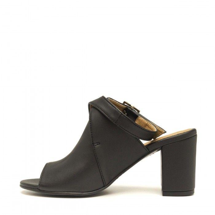 Atik Black zapato com puntera abierta