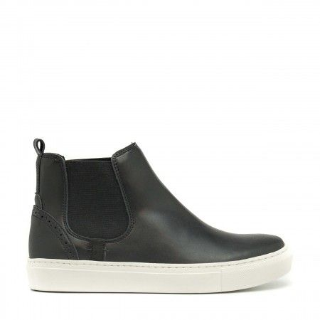 Niza Black Vegan Sneakers