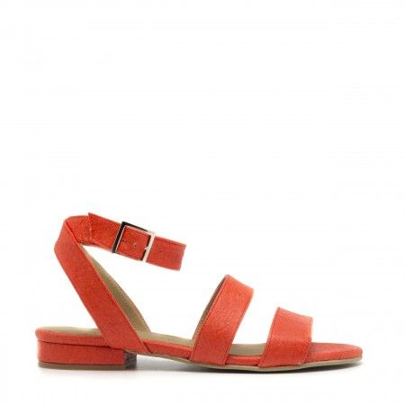 Gatria Coral ankle strap sandal made with piñatex women vegan