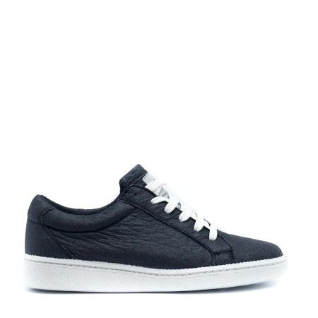 Basic Black Piñatex Veganer Sneakers