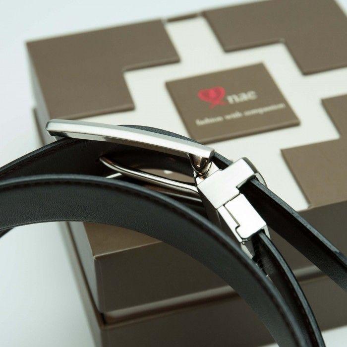 Rubi  Veganer wendbarer braun schwarzer Herrengürtel mit einer silberfarbenen Metallschnalle