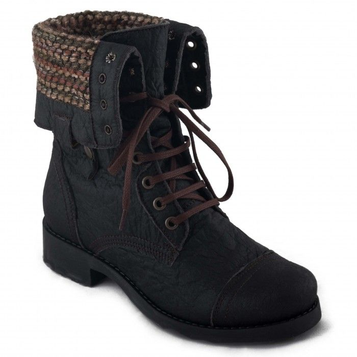 woman vegan lace-up boot pinatex pineapple