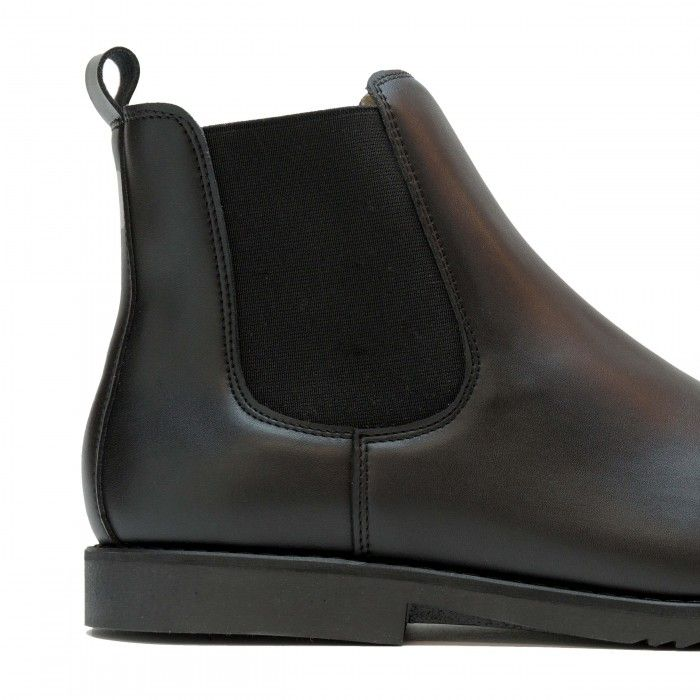 Man vegan chelsea boot