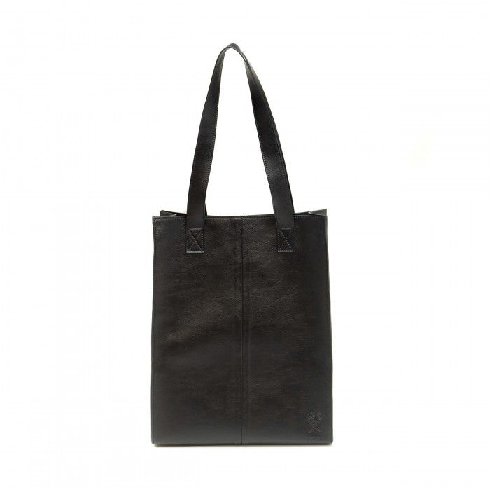 fce15790c31 Noemi - Black tote bag with small pocket