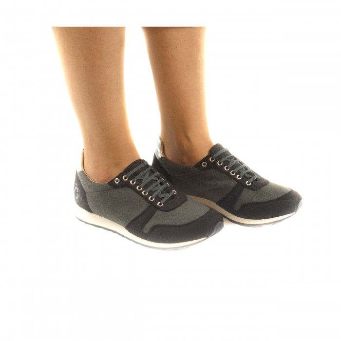 Re bottle Black Vegan Sneakers