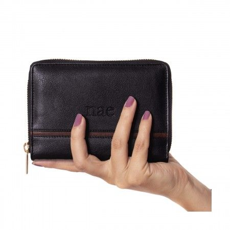 eva black wallet