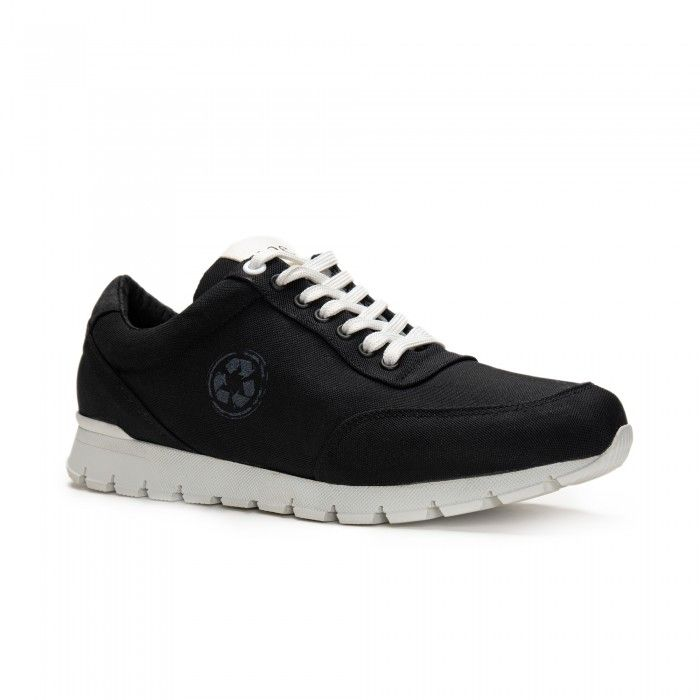 nilo black trainers sneakers made with recycled plastic from the ocean