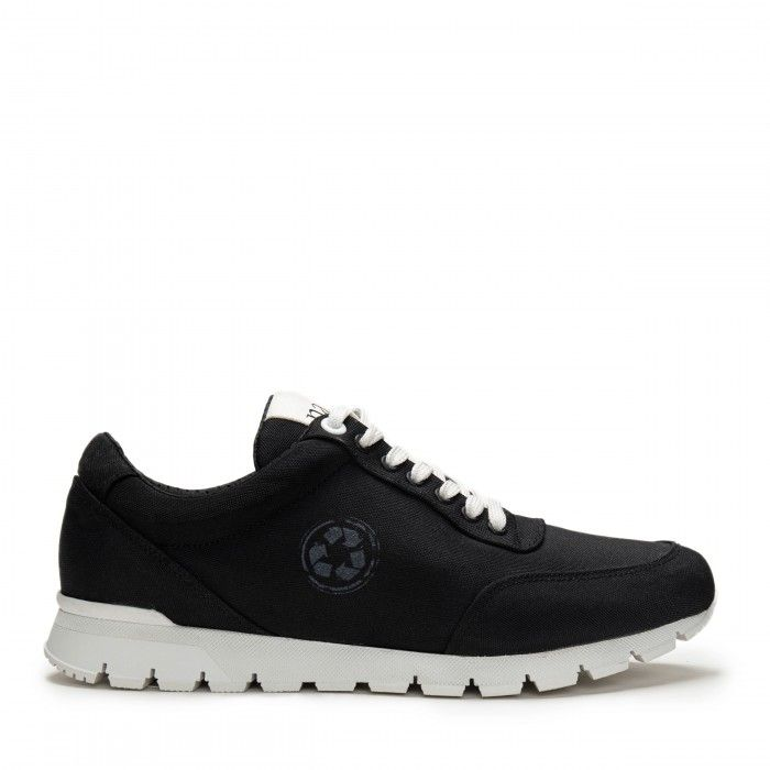 Nilo Black Vegan Sneakers
