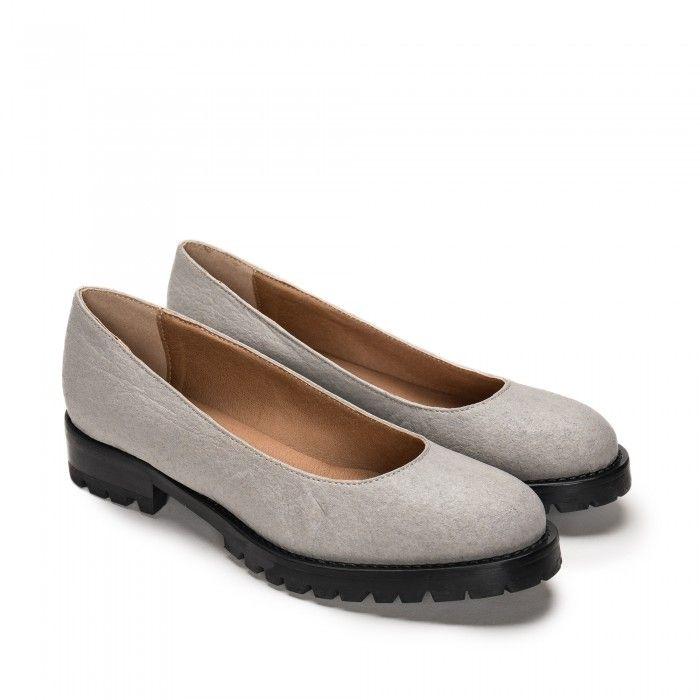 Lili Piñatex Grey Vegan Shoes