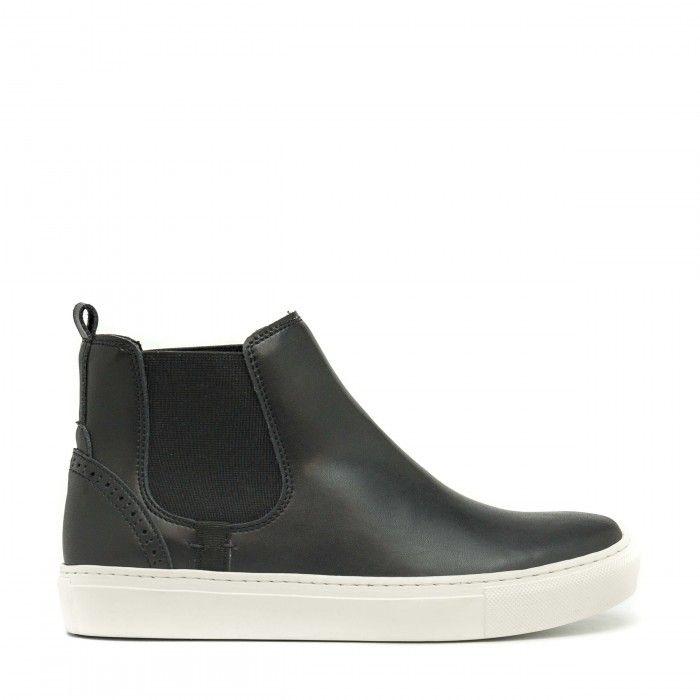 Niza Black Vegan Sneakers