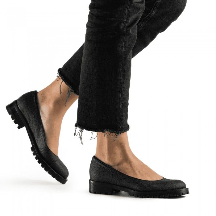 Lili Piñatex Black Vegan Shoes